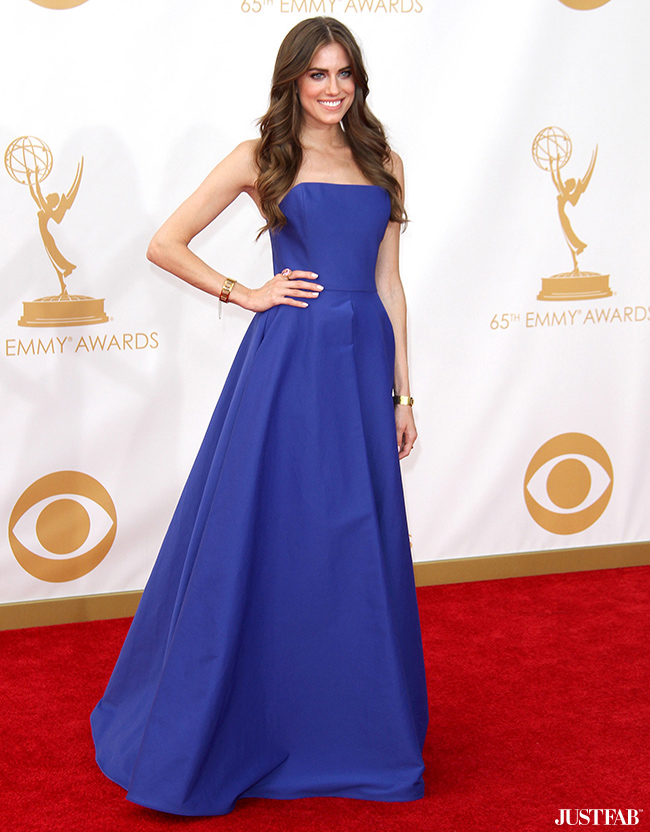 Allison Williams at the 2013 Emmy Awards